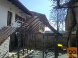 Sestavljiva konstrukcija-počitniški objekt (brunarica)