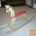 Lesen konjiček gugalnik