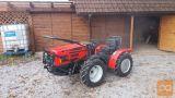 Traktor AGT 835T/S