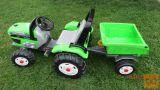 Otroški traktor na pedala in prikolico- Peg Perego