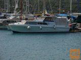 Motorni čoln Princess 32